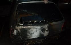Alta Floresta: Veículo fica parcialmente destruído em incêndio dentro da garagem