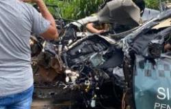 BR - 163: Viatura bate em carreta e dois policiais penais morrem em MT (vídeo)