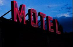 """Alta Floresta: Após """"festa"""" com mulheres em motel, trio nega pagar conta"""