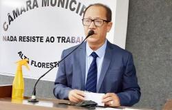 Previdência municipal: Projeto do executivo onera e impacta salários dos servidores, diz vereador