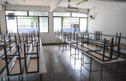 Cinco profissionais da educação morrem de covid-19 no fim de semana