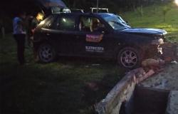 ALTA FLORESTA: Motorista perde controle e capota carro na via de acesso ao bairro Boa Nova