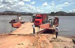 Justiça determina que União retire balsa e rebocador da travessia do Rio Xingu