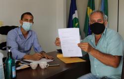 Prefeito de Nova Monte Verde recebe indicação sobre correção de identificação de ruas e avenidas do município