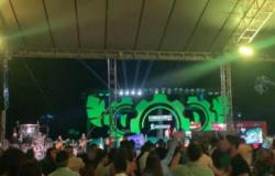 Show de sertanejo em MT aglomera 500 pessoas em lavoura de soja