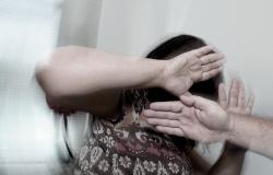 Mulher vítima de violência doméstica em Nova Canaã do Norte