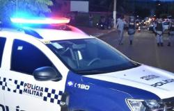 MT - Marido é preso por trancar a esposa com covid-19 em casa