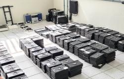 PRF doa mil dispositivos eletrônicos para estudantes de baixa renda
