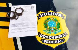 PRF em Sorriso-MT prende um motociclista que possuía mandado de prisão em aberto