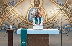 HOMOFOBIA NA IGREJA:  'Não chamem relações de viados e lésbica de casamento', diz padre durante missa em MT
