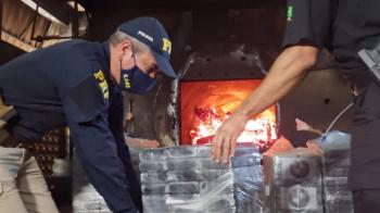PRF em Mato Grosso participa de incineração de droga juntamente com a PF e PC