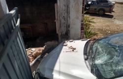 Alta Floresta: Homem fica ferido ao colidir carro em muro de residência