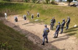 Efetivo da 13ª CIPM de Guarantã do Norte recebe instrução de tiro policial