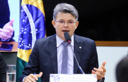 Medeiros aciona PGR e Senado para afastar presidente da CPI da Covid