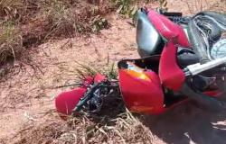 Motociclista fica gravemente ferido após se chocar contra caminhão na MT-208 - veja vídeo