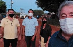 Vereadores acompanham início das obras de pavimentação no Bairro Cidade Bela