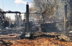 Incêndio destrói oficina com mais de 13 carros, barracão e queima pastagem em Vera