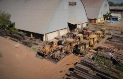 MT - Tratores que derrubavam a floresta agora são utilizados na agricultura familiar