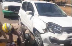 Três veículos se envolvem em acidente na Avenida Ariosto da Riva