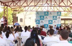 Alta Floresta: Vereadores participam de entrega dos títulos definitivos para 74 famílias no Assentamento Jacamim