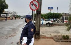 Alta Floresta: Nova orientação no trânsito é aplicada na Rogério Silva para evitar acidentes