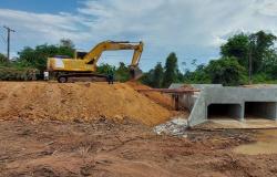 Vereador Tuti e vereadora Ilmarli vistoriam construção de galeria no Bairro Boa Nova