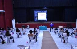Secretarias Municipal de Saúde e Educação realizam capacitação à servidores para volta às aulas
