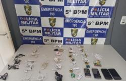 PM flagra celulares e chips em caminhão que levava marmita para presos em MT