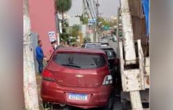 Acidente com engavetamento atinge pelo menos sete veículos no Centro de Cuiabá