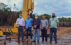 Alta Floresta: Vereadores e prefeito visitam construção de ponte de concreto sobre o Rio Teles Pires