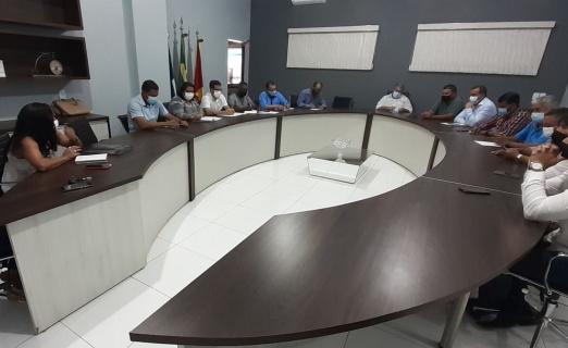 Alta Floresta: vereadores se reúnem com a secretária de educação e fazem cobranças