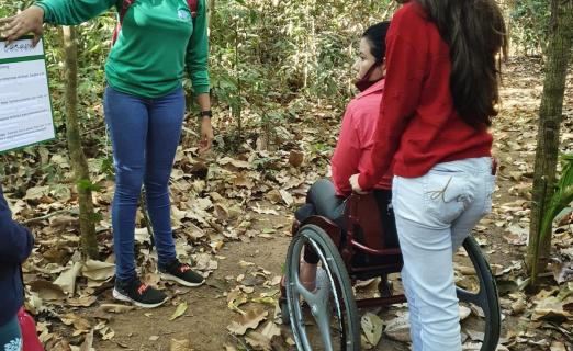 """Projeto """"Trilha interpretativa"""" em Alta Floresta promove oportunidade para pessoas com deficiência"""