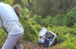"""MT-338: Motorista perde controle da direção e ambulância com paciente """"cai"""" em barranco"""