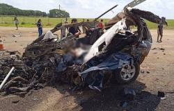Grave acidente entre carro e carreta deixa um morto na BR-163 em Nova Mutum