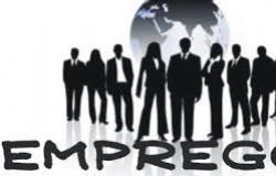Empresa do ramo de varejo é condenada a indenizar empregado que recebia salário por fora
